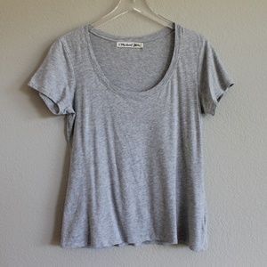 MICHAEL STARS | Basic Grey Scoop Neck Tee OS
